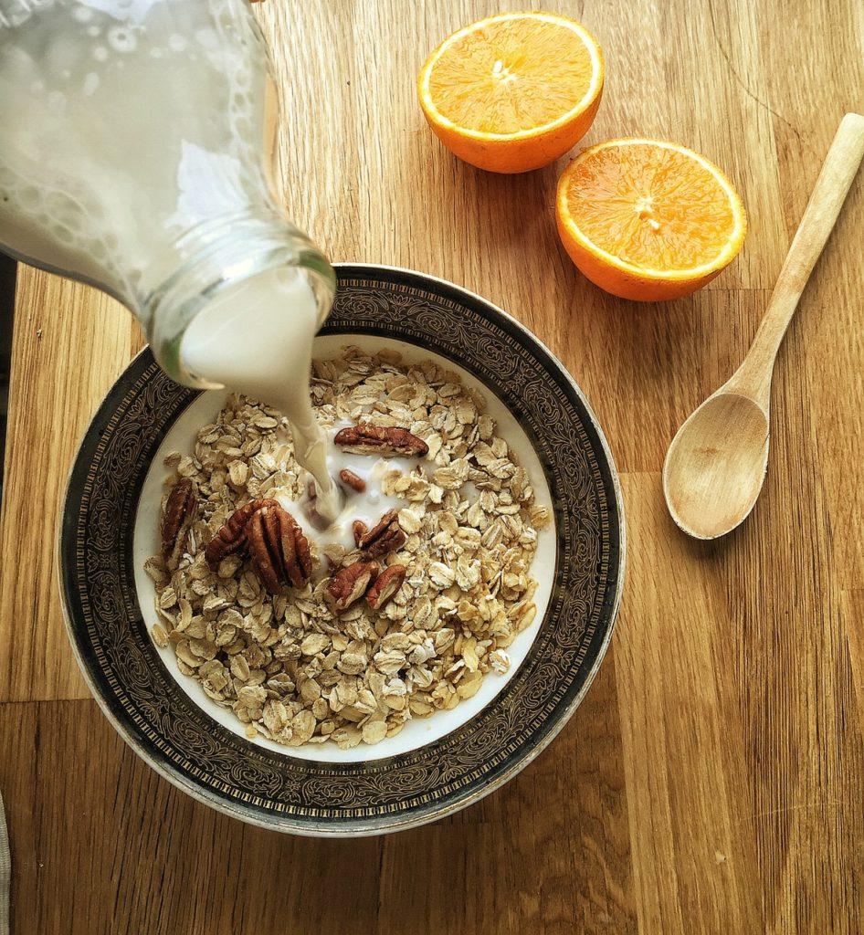 Healthy Snack Idea 5 - Oats and Milk Main